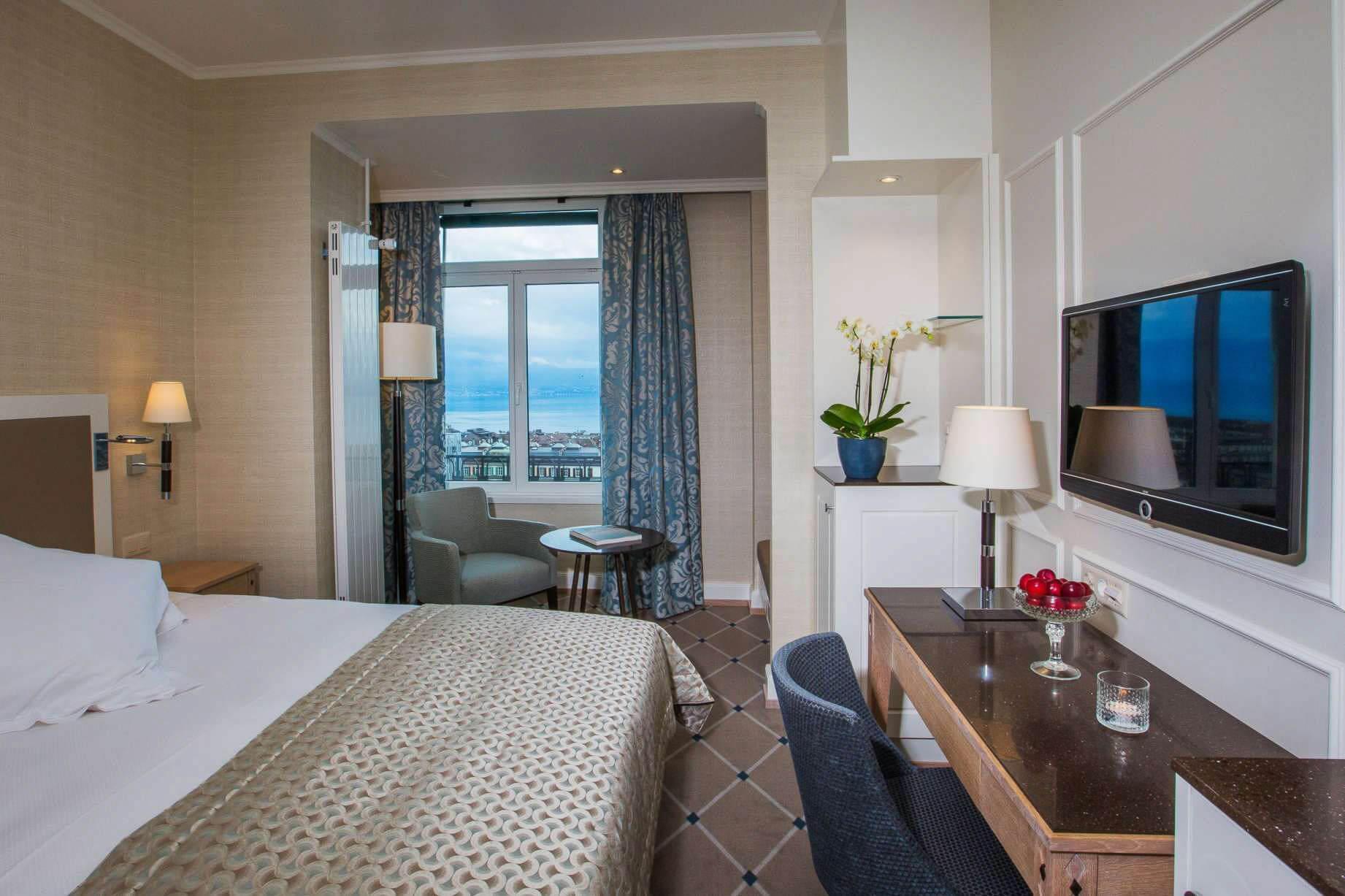 Séjour à Lausanne à l'Hôtel de la Paix · Chambre avec vue Lac Léman