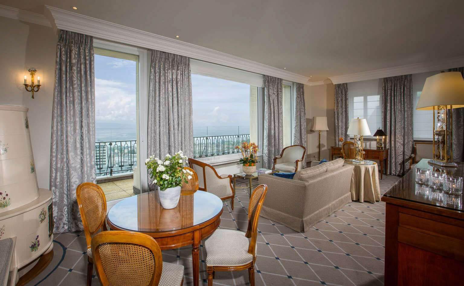 Suite de l'Hôtel de la Paix à Lausanne Hôtel 4 étoiles en Suisse